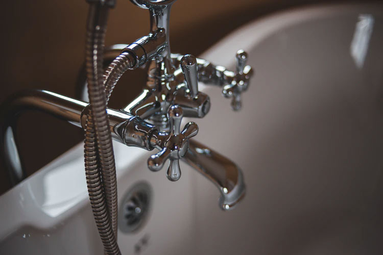 5 Signs You Need A Torrance Plumber For Your Plumbing Problems